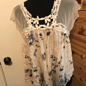 Floral mesh detailed blouse